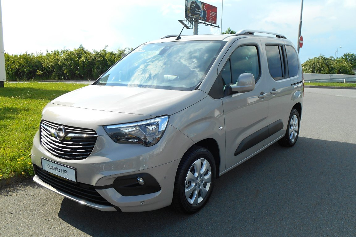 Opel Combo LIFE 1.2T L1 ENJOY MT6