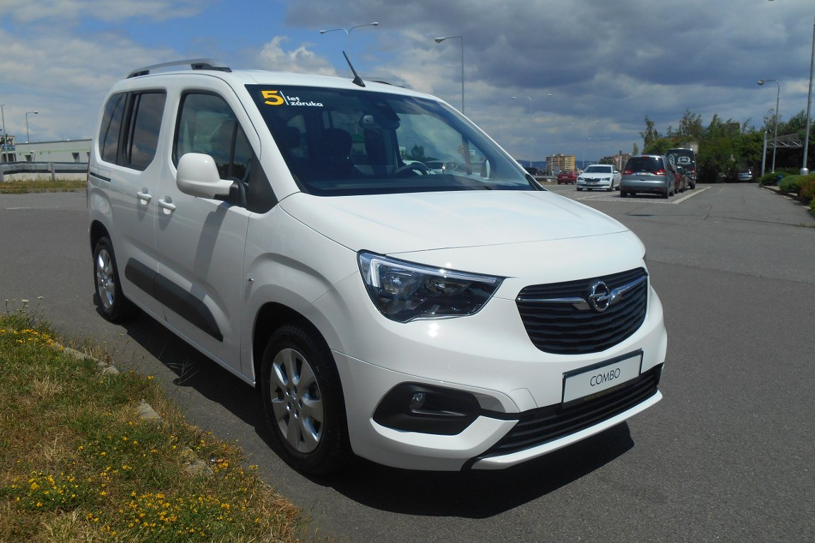 Opel Combo LIFE 1.5 DTH L1 ENJOY AT8